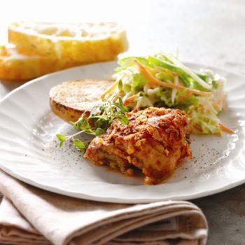Landmads kyllingelår med cornflakes og paprika